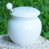 Cottage Creek Honey Dispenser Porcelain Honey Jar With Lid/Wooden Dipper Included With Honey Pot Holds 15 Ounces Of Honey [White]